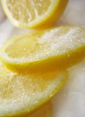 5 Способів застосування лимона в косметичних цілях. Очищаючі, відбілюючі і зволожуючі маски, скраби з лимоном.