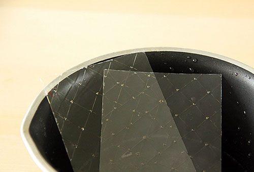Листовий желатин в чаші