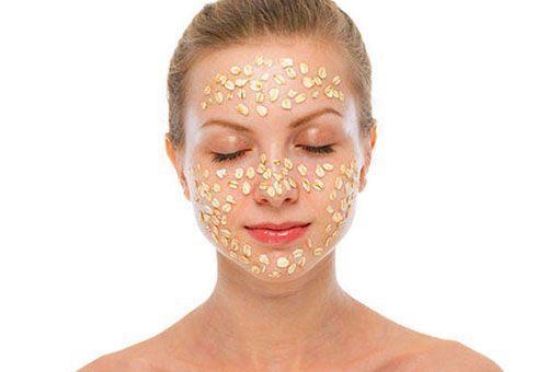Чим хороші маски для обличчя з вівсяних пластівців і як їх правильно використовувати?