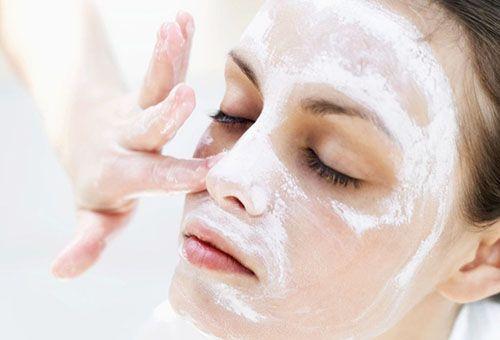 Чистка шкіри обличчя за допомогою аспірину в домашніх умовах