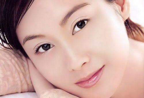 Робимо шкіру обличчя ідеальною без застосування радикальних методик