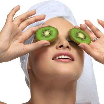 Домашні маски для шкіри повік очей: з чого роблять