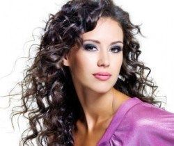 Фото-приклади стрижок для кучерявого волосся різної довжини