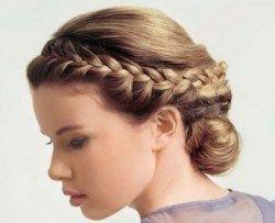 Граціозні зачіски в грецькому стилі на фото і відео
