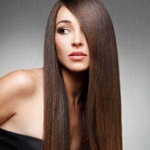 Як швидко випрямити волосся без використання прасування і фена в домашніх умовах?