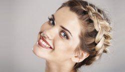 Як красиво прибрати волосся?