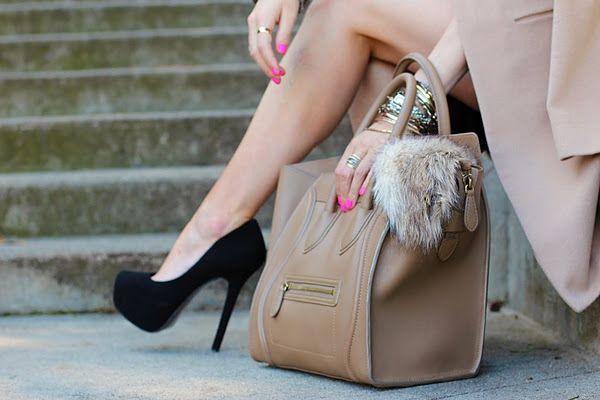 Як знайти і замовити модну і стильну шкіряну, лакову і замшеве жіночу сумку хорошої якості на аліекспресс недорого? Огляд, каталог і розпродаж жіночих сумок на аліекспресс російською