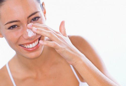Як правильно підготувати шкіру до відбілювання і швидко прибрати загар з обличчя?