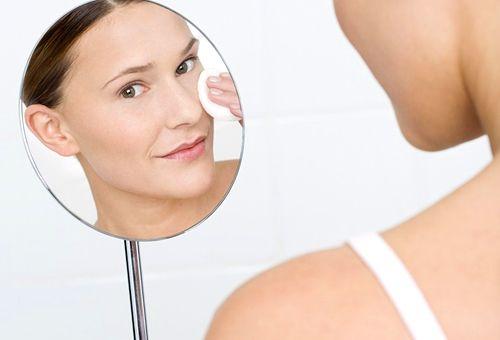 Як правильно доглядати за шкірою обличчя в домашніх умовах