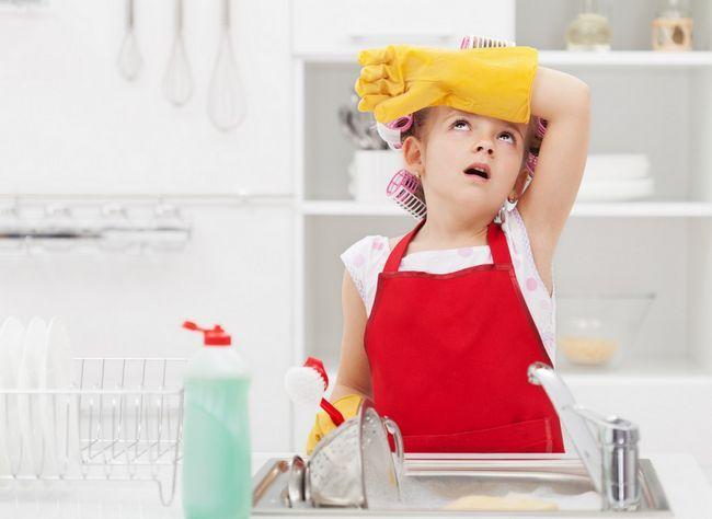 Як привчити дитину до порядку, акуратності і чистоті в будинку, в своїй кімнаті: 8 порад психолога