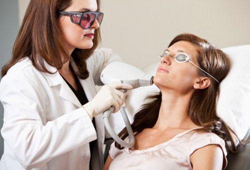 Як проводиться лазерна підтяжка обличчя?