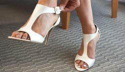 Як розтягнути нове взуття?