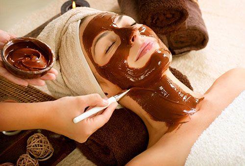 Як зробити шоколадну маску для обличчя?