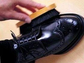 Як доглядати за взуттям правильно