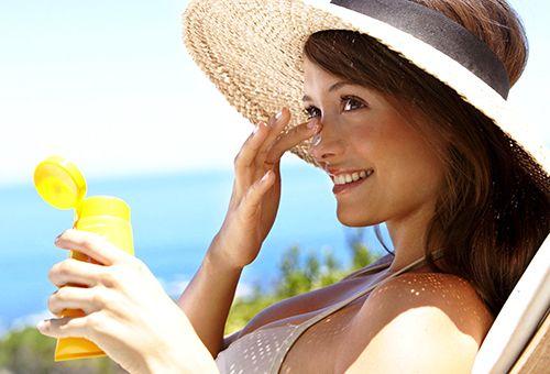 Як вибрати сонцезахисний крем для шкіри обличчя?
