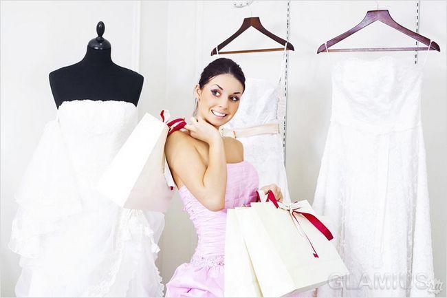Як вибрати весільну сукню на маленький зріст