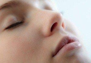 Як вирівняти колір обличчя: кращі матирующие і відбілюючі маски