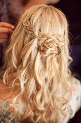 зачіска з косою водоспад