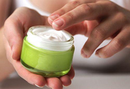 Крем для сухої шкіри обличчя в домашніх умовах