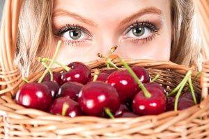 Маска з черешні - 5 рецептів для здоров`я шкіри