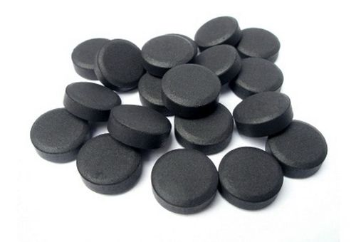 Маски з активованим вугіллям для особи: кращі рецепти