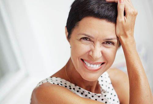 Методи позбавлення від мімічних зморшок на обличчі в салоні і вдома