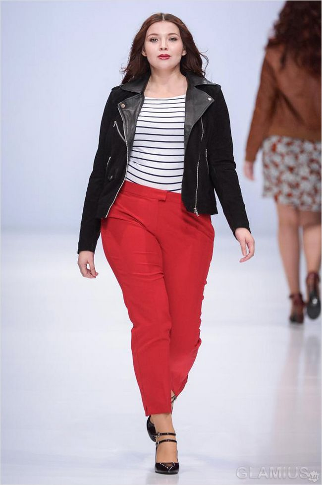Червоні яскраві штани для повних