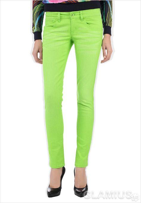 Модні жіночі джинси яскравих кольорів