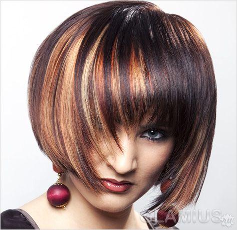 Каре на короткому волоссі з колоруванням