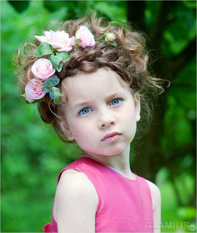 Коса-вінок з квітами