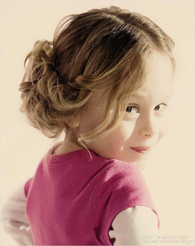 Дитяча зачіска в грецькому стилі