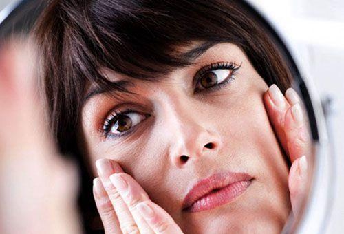Правила приготування натуральних масок для тонкої шкіри навколо очей