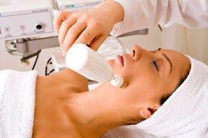 Переваги та недоліки нових методів апаратної косметології