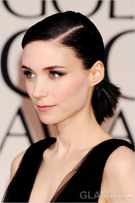 Зачіска з боковим проділом на короткому волоссі