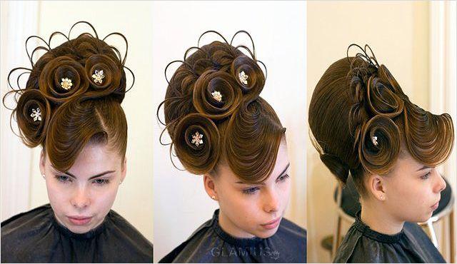 Складна святкова зачіска