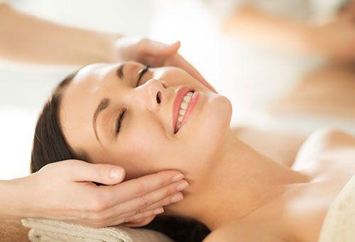 Профілактика раннього старіння шкіри обличчя за допомогою класичного масажу