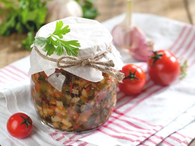 Салат з кабачків на зиму - рецепти