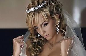 Секрети весільної зачіски і макіяжу: як бути чарівною