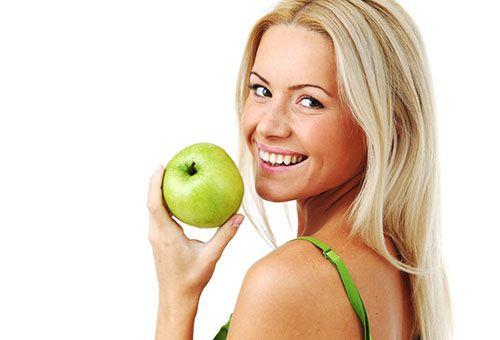 Зберігаємо молодість і свіжість обличчя за допомогою яблучних масок