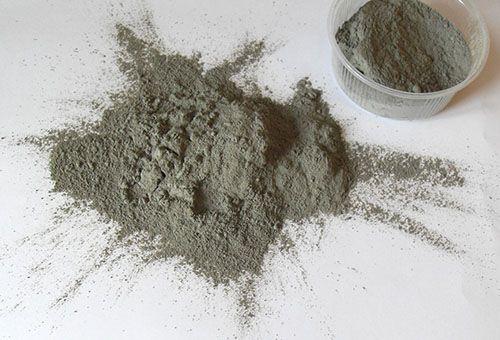 Поради щодо використання блакитної глини для догляду за шкірою обличчя