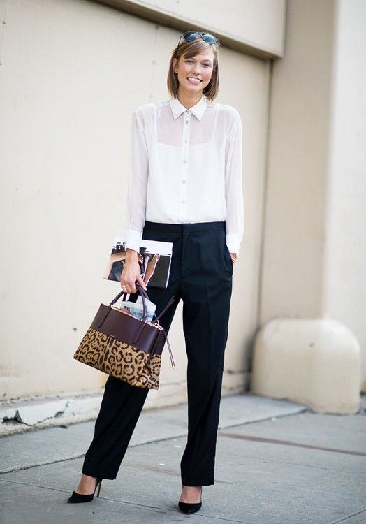 З ніжною блузою