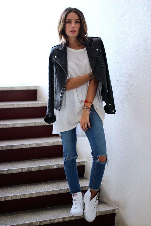 Класика з джинсами