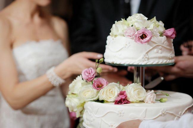 Весільні торти. Фігурки для весільного торта. Красиві весільні торти - фото, прикраса весільного торта