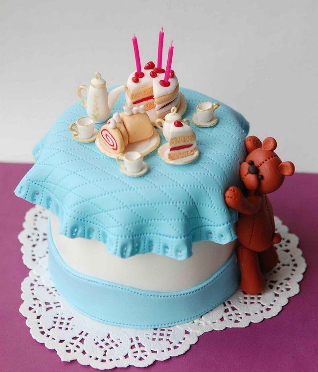 Торт на день народження дитині своїми руками. Дитячий торт своїми руками - майстер клас