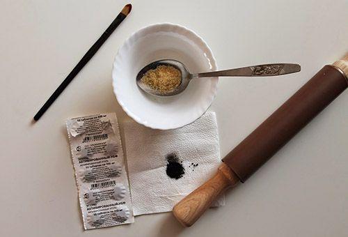 Інгредієнти для желатинової маски проти чорних крапок