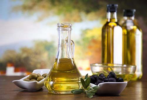 Доглядають засоби з оливковою олією своїми руками