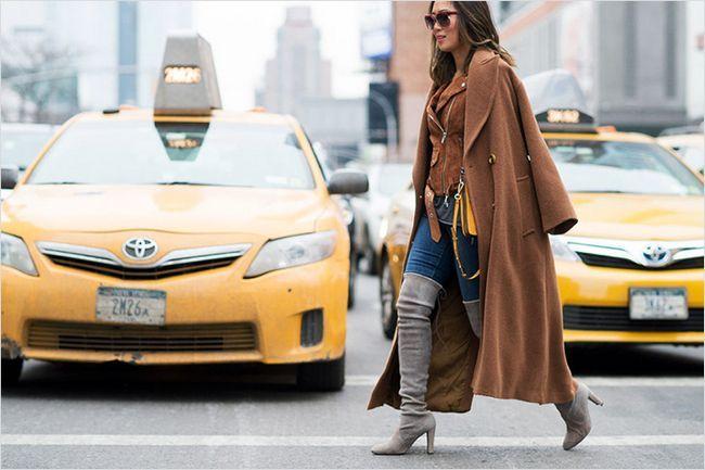 Багатошаровий наряд може виглядати стильно і в дусі актуальних модних тенденцій