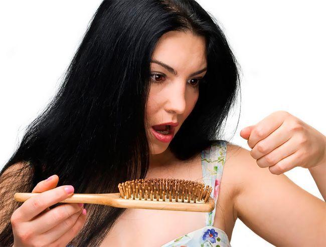 Ви починаєте втрачати волосся через стрес вже в 20 років