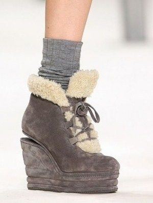 Танкетки зимове взуття 2010 2011